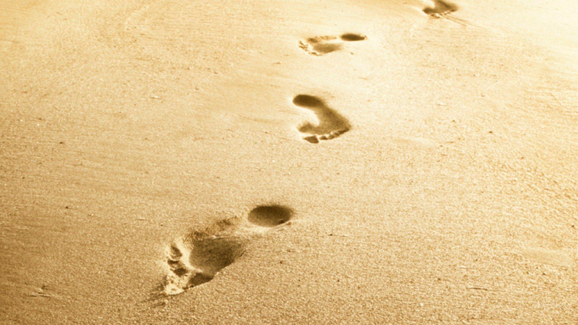 footstep-sand